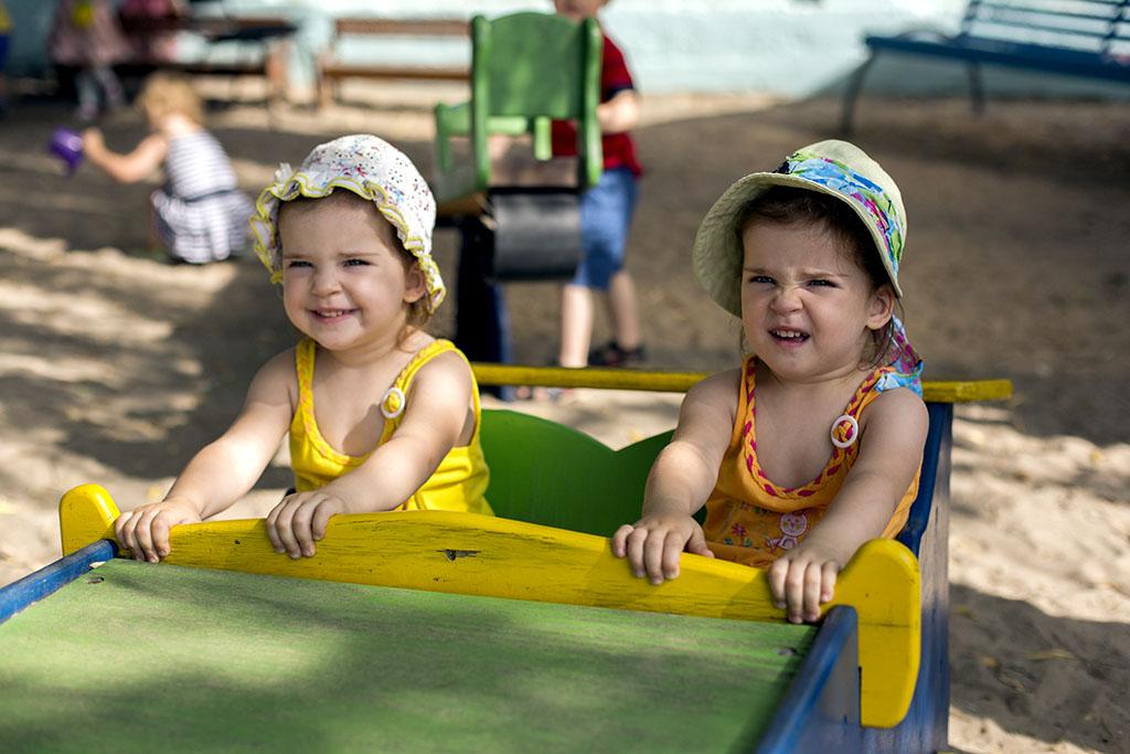 Дети в детском саду (фотограф